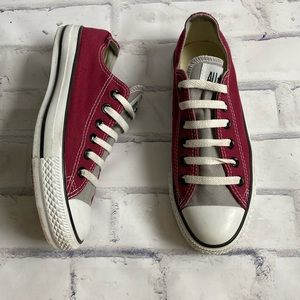 Converse chucks two colored maroon and grey